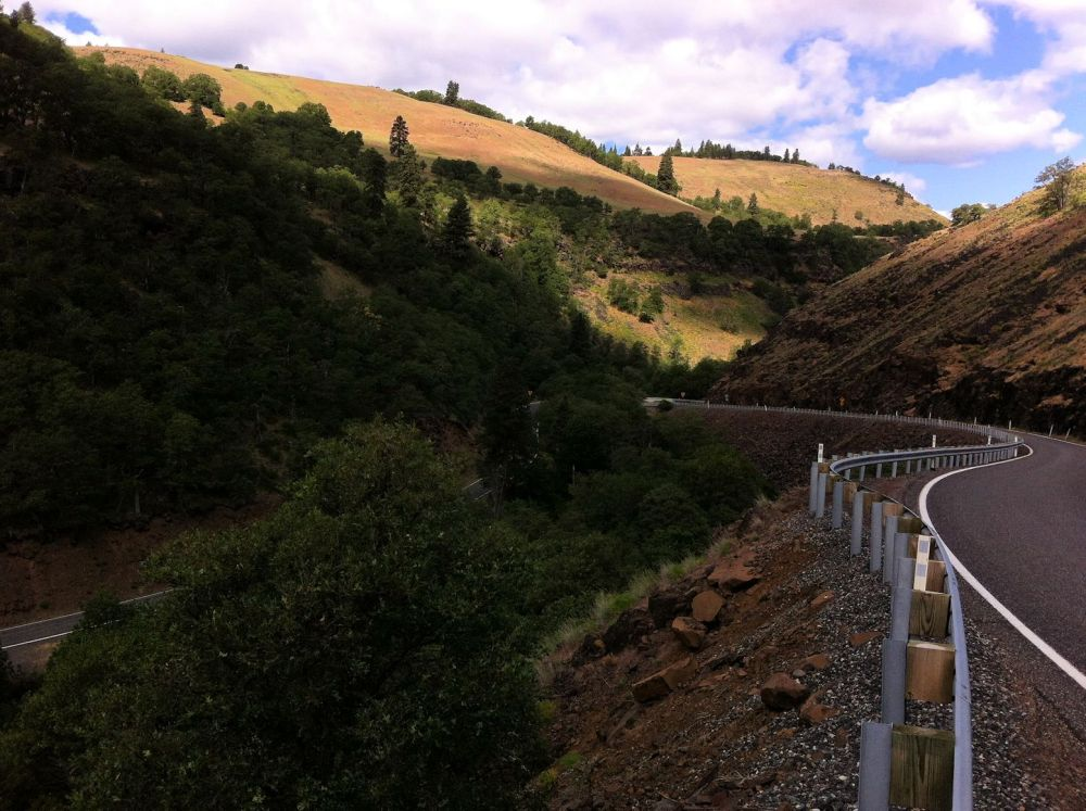 Highway 142, leading north from the Klickitat River, is something blogger LB would like to take her bike on.