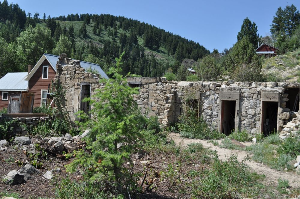 We found it interesting that the only stone building was the one in the worst shape.