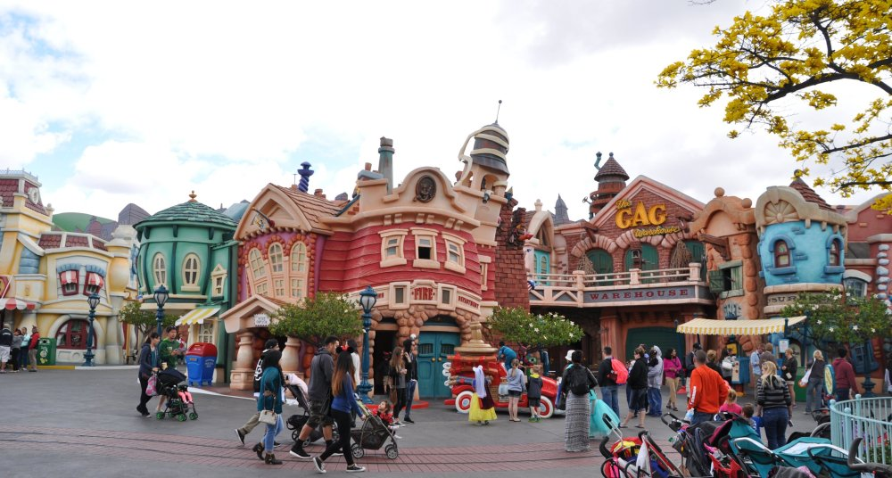 Yes, a city packed with buildings and people is where one finds Disneyland.