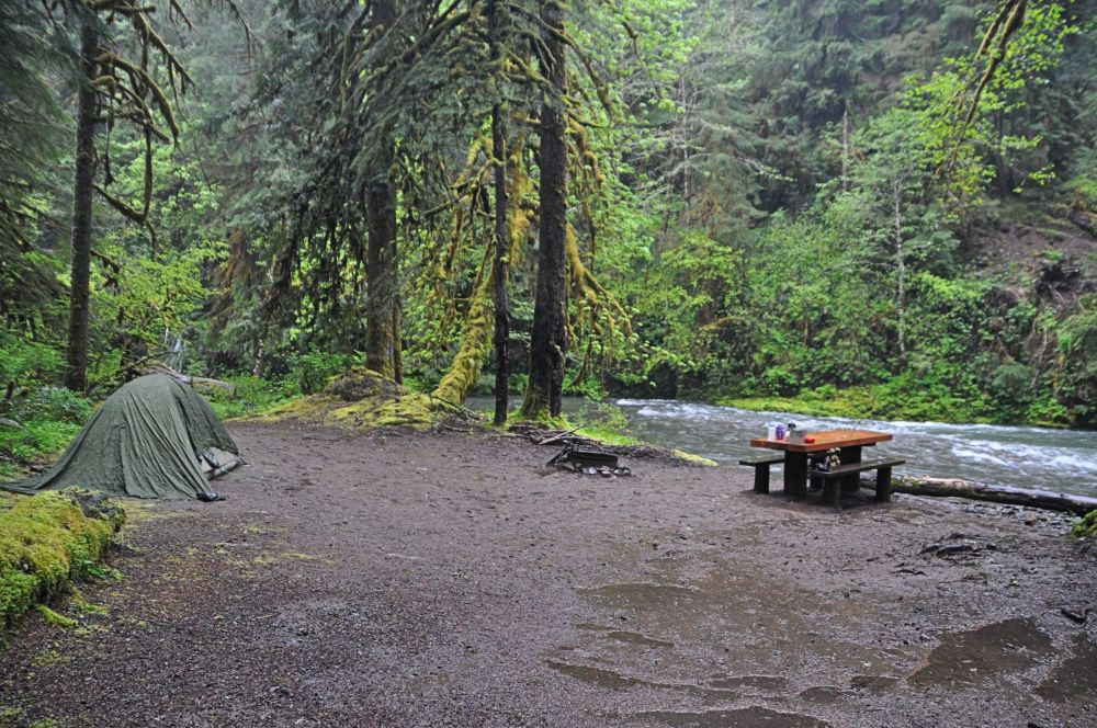 Wet, wet, wet. Luckily, with the rain shell plus the additional green tarp, we managed to keep the inside of the tent dry for two days.