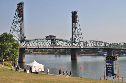 The finish line is the row of red floats beneath the Hawthorne Bridge.