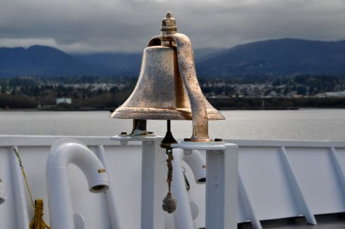 I loved this brass bell on deck.