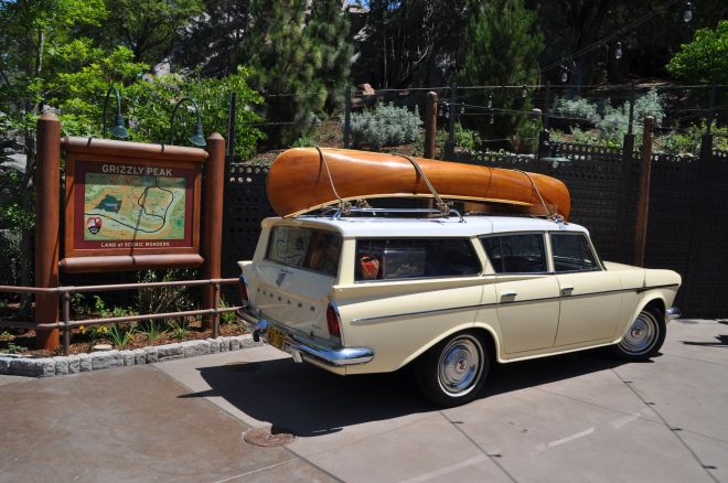 """Vacation car! Most people over about 45 years pointed with delight at this display. The kids were all, """"Uh, Dad, what's so great about that old car?"""""""
