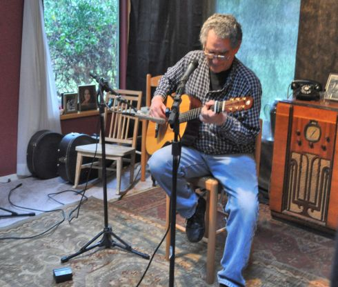 Rick Ruskin has skillfully wound his way around guitars for decades.