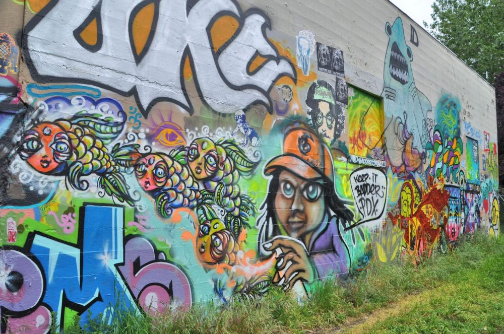 In April I made some time for appreciating art and met some activist graffiti artists