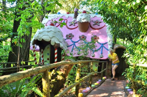 Tara visits Hansel & Gretel in our favourite local amusement park.