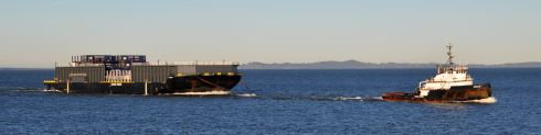Later in the morning this tug came by, tugging.