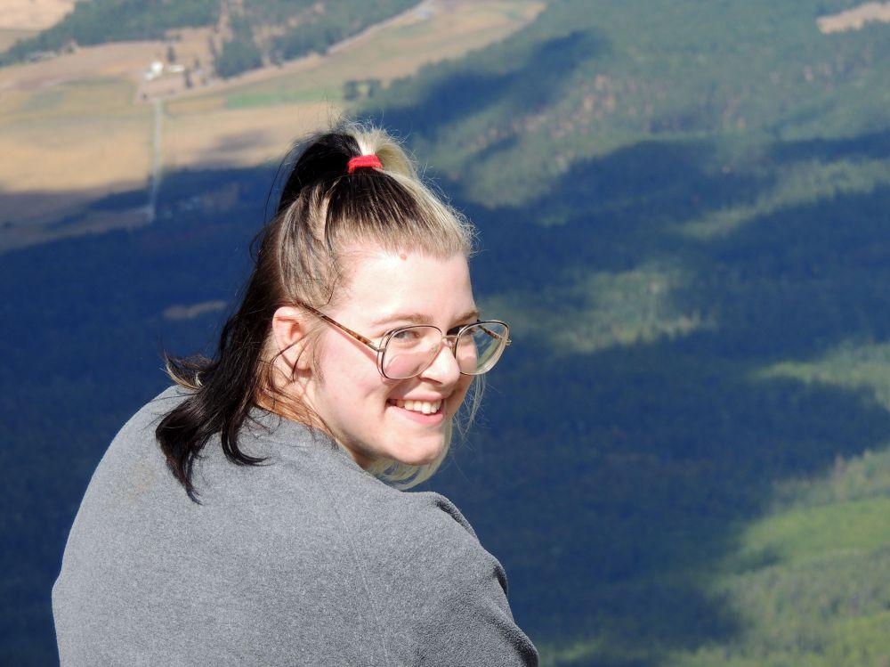 Tara is still sporting the Cruella de Vil hair, and a lovely smile.
