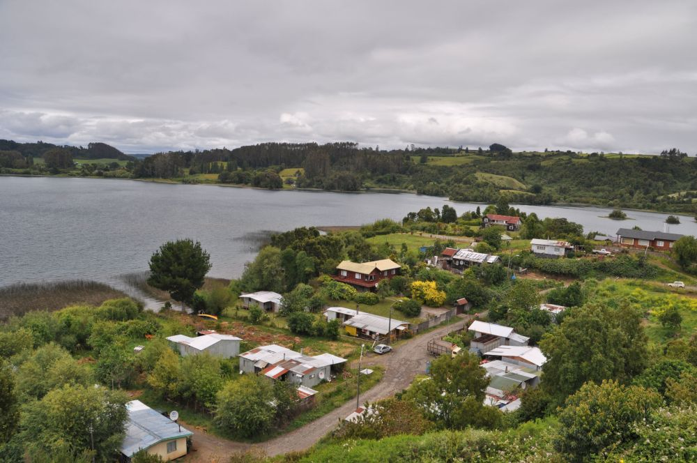 The town of Puerto Octay on the north shore of Lago Llanquihue.
