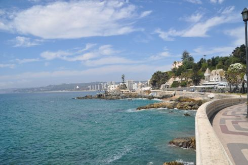 Lovely views of the seashore are found in Vina del Mar.