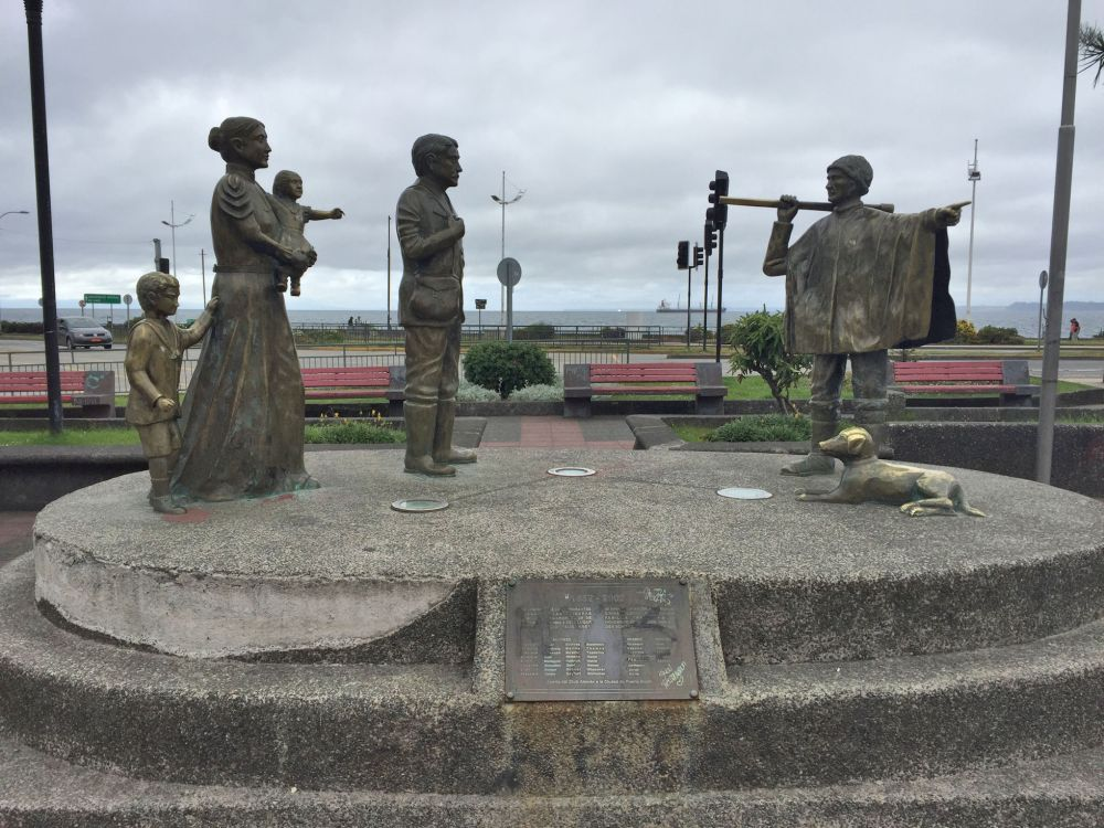 A memorial in Puerto Montt recognizing the German families welcomed to settle by the Chileans in this area.